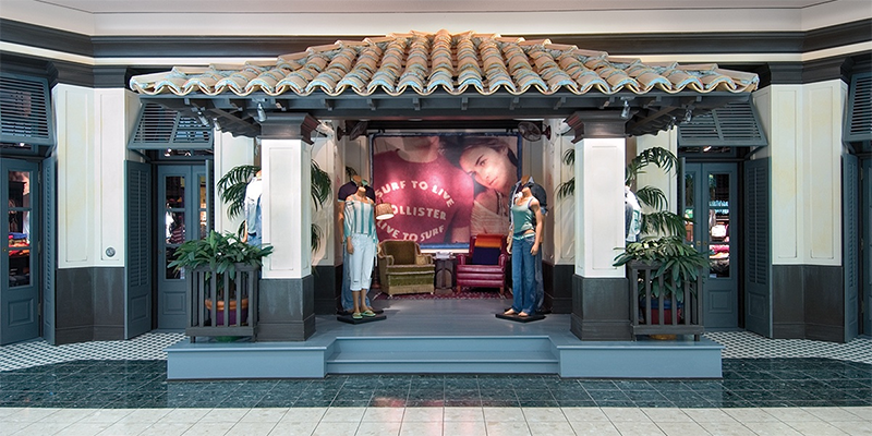 entrance to hollister in a shopping center