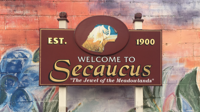 Secaucus, NJ welcome sign