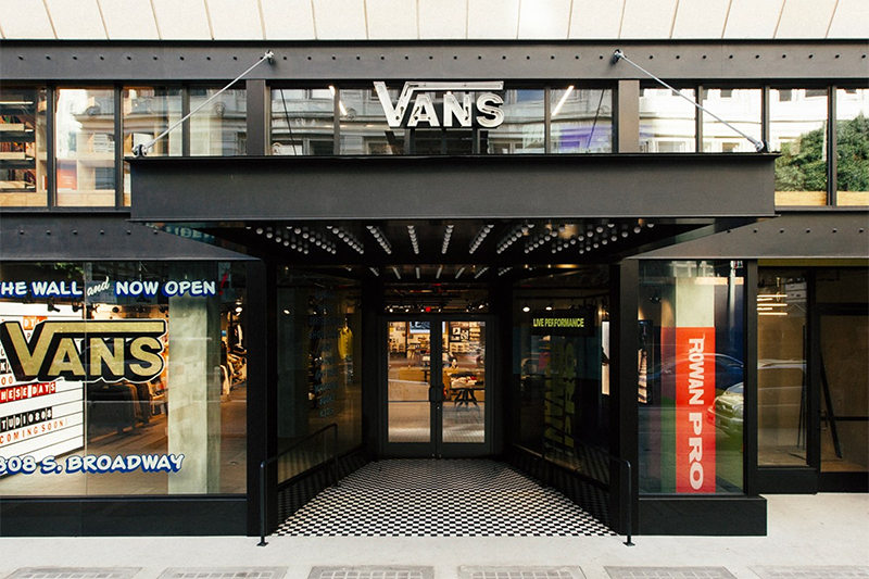 vans storefront in downtown los angeles